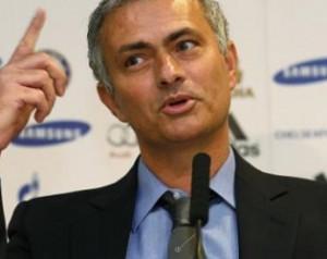 Mourinho: Moyesnak el kellene adnia Rooneyt