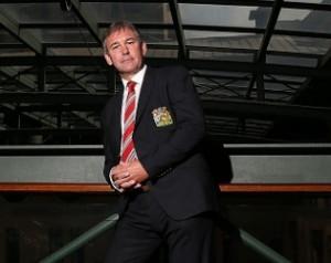 Robson: Néhány elsõ osztályú játékos kell