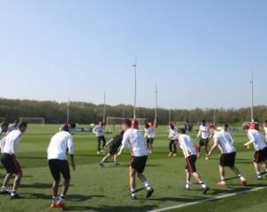 Van Gaal örül az új edzõpályáknak