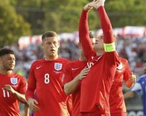Válogatottak: Rooney beérte Charltont