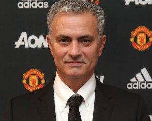 Hivatalos: Mourinho a United új menedzsere