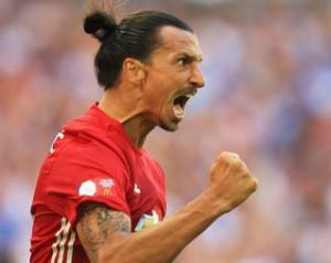 Zlatan rendkívül boldog gyõztes gólja után