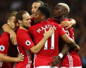 Yorke: Elõnyben a United a Cityvel szemben