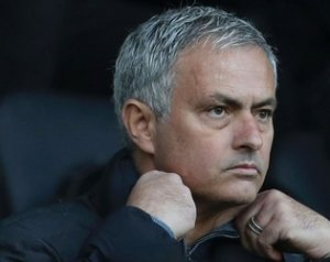 Mourinho: Nincs bajom Benitezzel