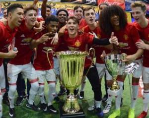 Trófeát nyertek a fiatal Vörös Ördögök