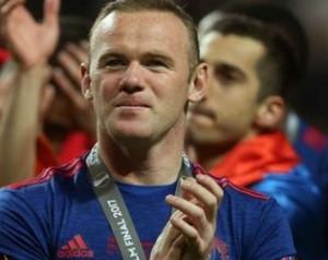 Giggs: Rooney maradhat a Unitednél