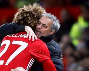 Mourinho megerõsítette Fellaini maradását