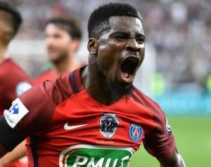 Aurier nincs célkeresztben a Unitednél