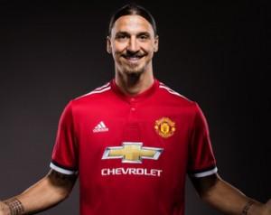 Zlatan újra aláírt