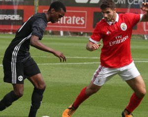 Ifi BL: Benfica 2-2 United