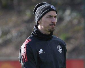 Zlatan dönthet a visszatéréséről