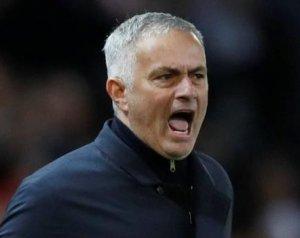 Az FA megvádolta Mourinhót