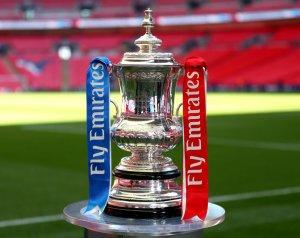 FA-kupa: Kezdés a Reading ellen