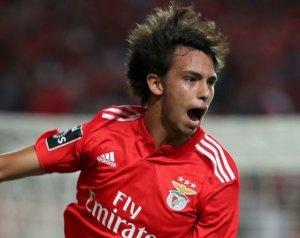 105 millió fontot kínálhat a MU a Benfica csodagyerekéért