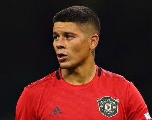 Kútba esett Rojo Evertonba igazolása