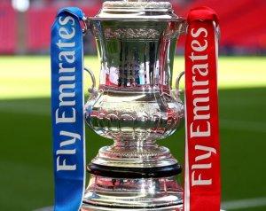 FA-kupa: Kezdés idegenben
