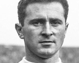 Elhunyt a müncheni hős, Harry Gregg