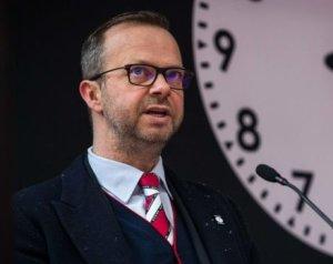 Woodward - az ember, aki segít átvészelni a vihart?