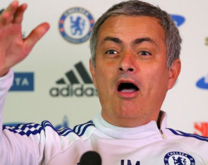 Mourinho a Unitedes pletykákon gúnyolódik