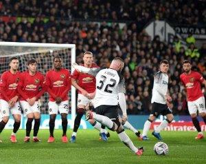 Beállították Rooney szabadrúgás-rekordját